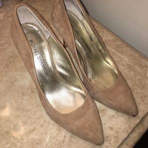 Michael Shannon heels size 7